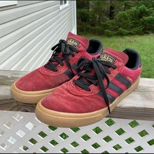 Adidas Men 10.5 Sneakers Red Black Lace Up Low Top